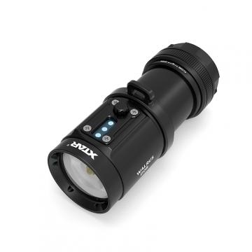 Potápačské svietidlo XTAR D08 WALRUS / 2000lm (4.1h) / 40m / IPX8-100m / včetně Li-Ion 18650 x4 / 465gr
